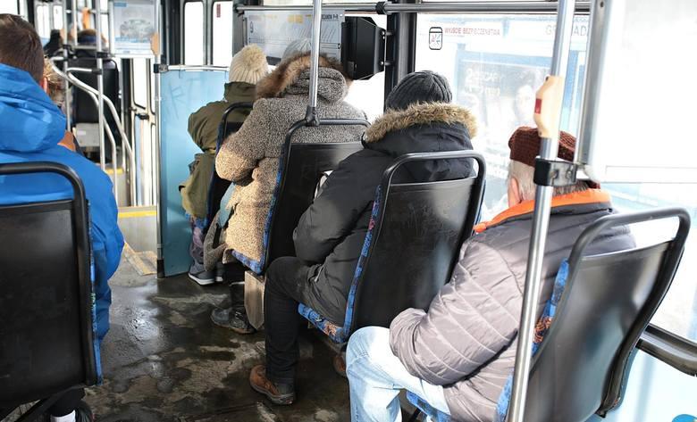 Część pasażerów skarży się na chłód w tramwajach