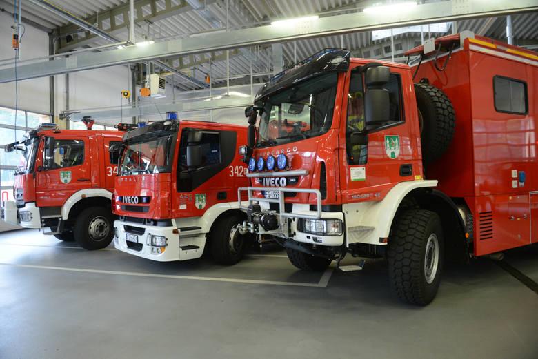 wozy strażackie - zdjęcie ilustracyjne