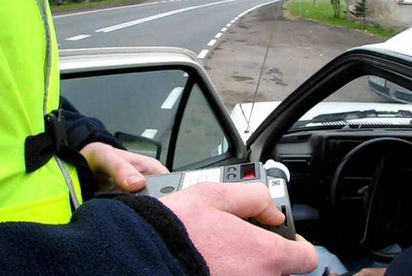 kierowca miał ponad 2 promile alkoholu w wydychanym powietrzu