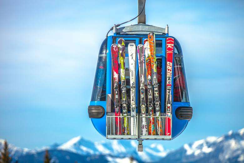 Co zabrać na narty? Jak spakować całą rodzinę ze sprzętem i niczego nie zapomnieć?