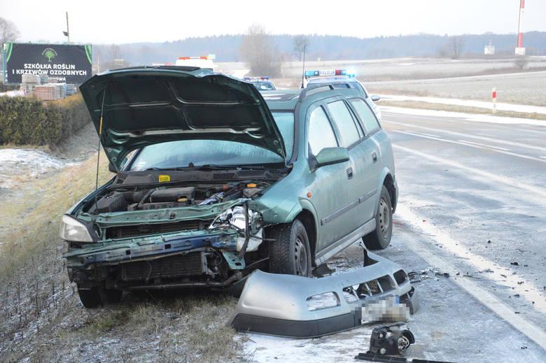 Wypadek na jerzmanówce. Audi hamowało ręcznym [FOTO]