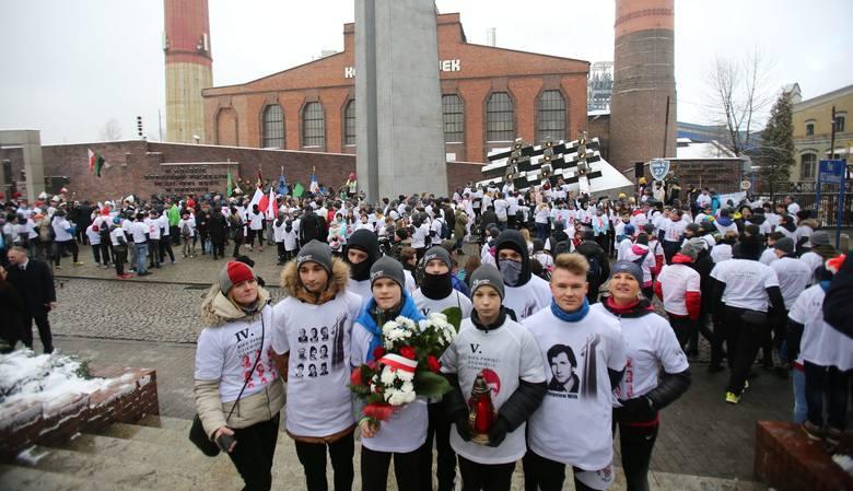 Bieg 9 Górników: młodzież pobiegła, by upamiętnić poległych na kopalni Wujek w 1981 roku