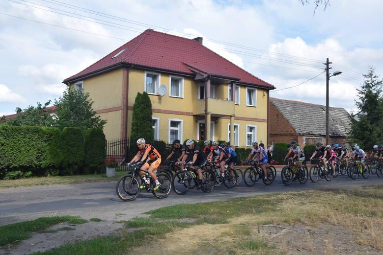 Pętla wokół Miedwia liczy 58 kilometrów.