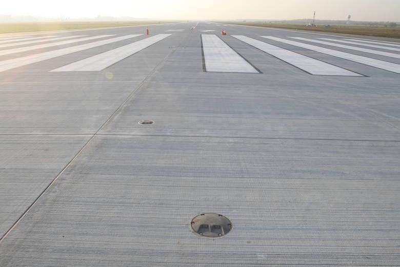 Sprawdziliśmy dla Was nowy pas startowy. Dziur nie ma. [ZOBACZ FILMY]