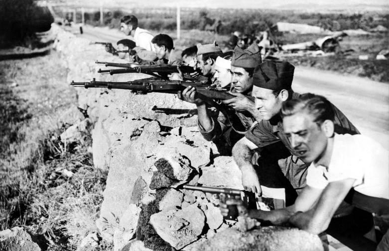 Republikańscy żołnierze na froncie