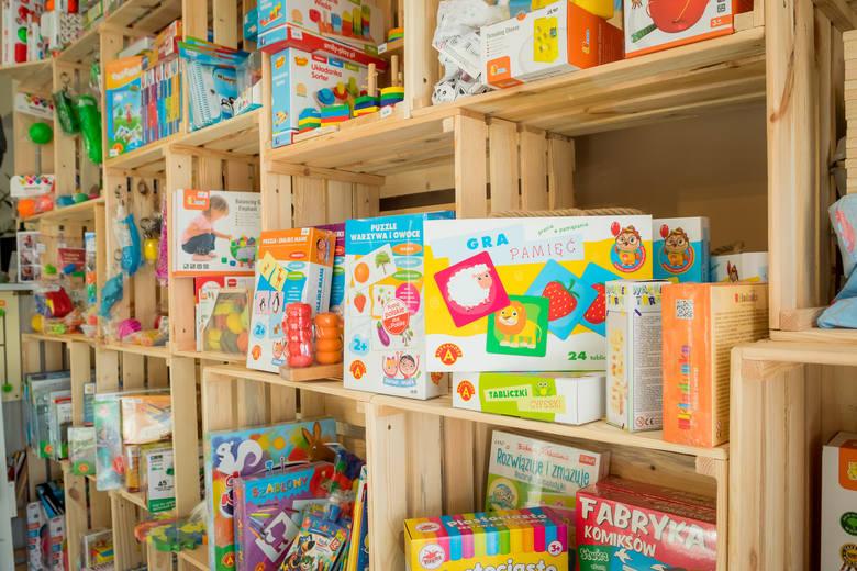 Naturalnie sensorycznie - kolorowy świat zabawek