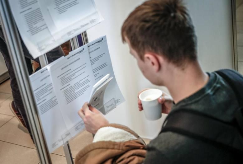 Nowy kodeks pracy: 12.12.2019 r. Wyższy ZUS, zmiany w urlopach wypłatach za godziny nadliczbowe, dodatek stażowy i za wysługę