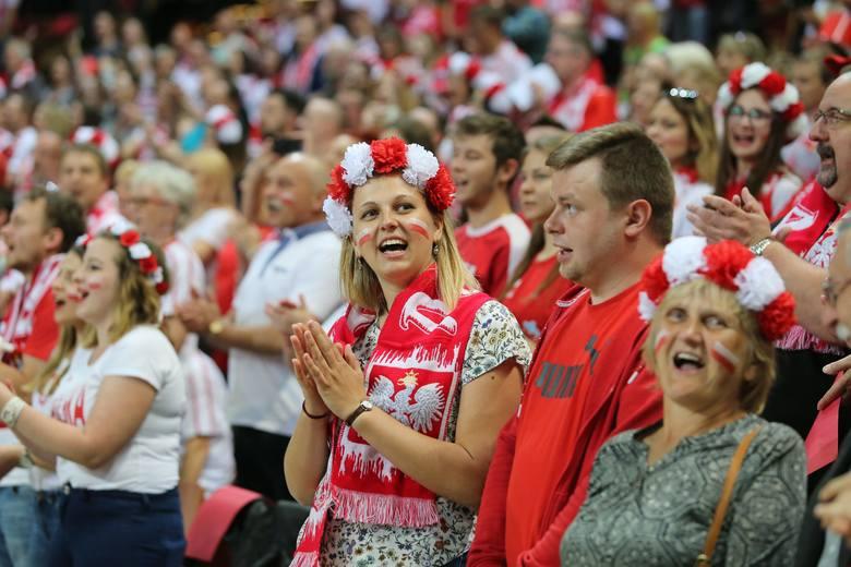Katowicki Spodek ponownie stał się areną siatkarską. Kibice głośno dopingowali Polaków, którzy niestety ulegli Kanadyjczykom.