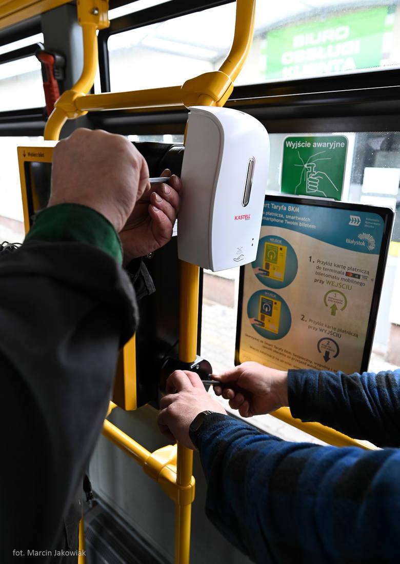 BKM Białystok. Automatyczne dezynfektory są montowane w autobusach komunikacji miejskiej