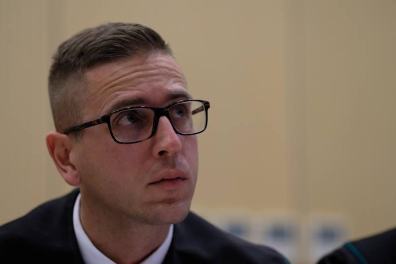 Ułaskawienie ministra Kamińskiego: Dlaczego PiS ma inne zdanie niż Sąd Najwyższy? [DWUGŁOS]