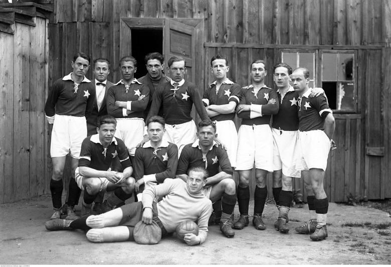 Stoją od lewej: Władysław Borkowski, ?, Stanisław Czulak, Marian Kiliński, Henryk Reyman, Karol Bajorek, Józef Adamek, Jan Reyman, Karol Żelazny. Kucają