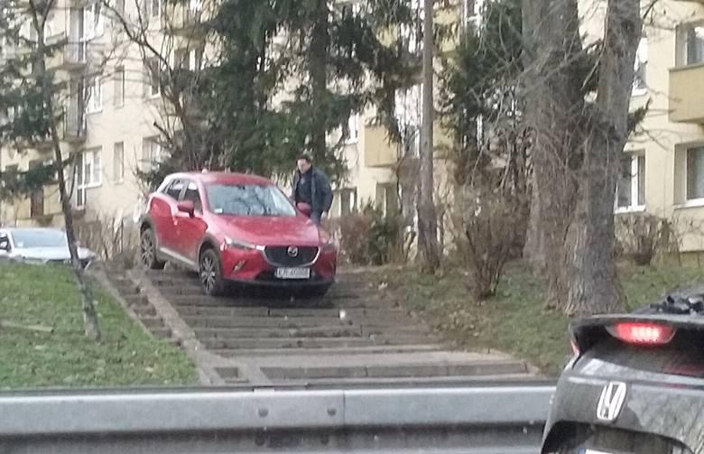 Kraków. Oto nasi kandydaci do tytułu Mistrza Parkowania 2019 roku. Straż miejska może się wyżyć...