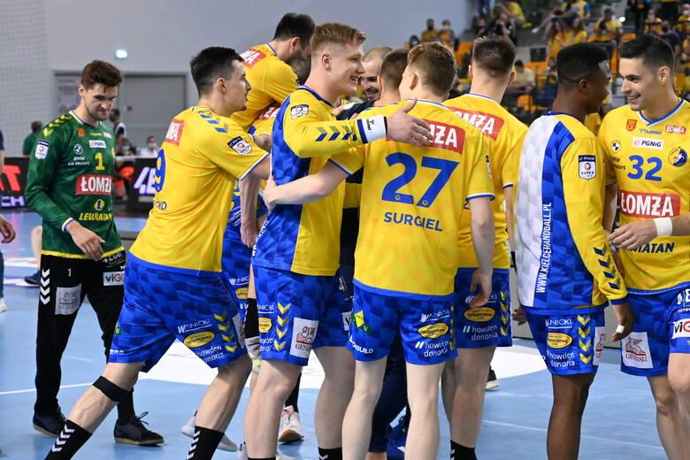 Piłkarze ręczni Łomża Vive Kielce pokonali po rzutach karnych Orlen Wisłę Płock i zakończyli sezon 2020/2021. Wystawiliśmy ostatnie już  noty dla zawodników