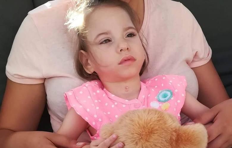 Oliwka niedługo skończy trzy latka. Rodzice marzą, żeby mieszkała w lepszych warunkach, ponieważ ich dom nie był remontowany od czterdziestu lat.