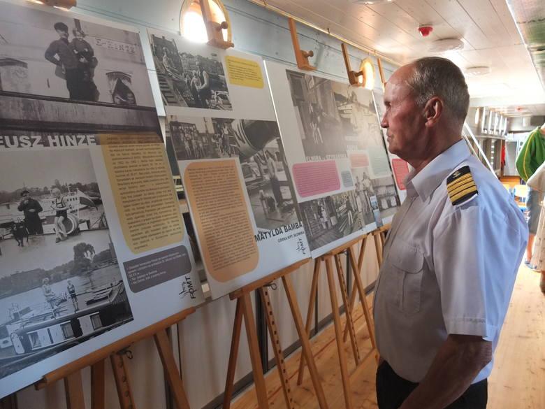 Barka Irena - pełniąca rolę mobilnego ośrodka kulturalno-edukacyjnego - stoi od piątku przy bulwarach Nadodrzańskich na wyspie Pasiece. Do godziny 22