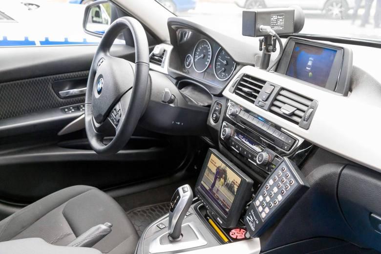 """Policyjne radiowozy BMW 3 już na ulicach Białegostoku. Podlascy policjanci działają w ramach grupy """"SPEED"""""""