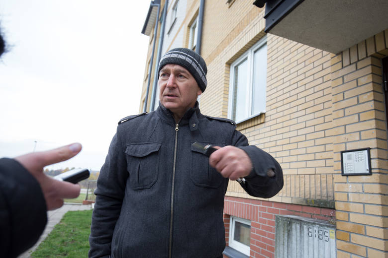 Pan Jerzy miesięcznie płaci za swoje mieszkanie komunalne 600 złotych. Byłoby więcej, gdyby nie dopłaty, które dostaje. A mogą one dochodzić nawet do 55 procent.