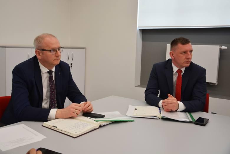 - Łącznie aż 22 zespoły pobierające materiał do testów na obecność koronawirusa obsługiwać będą mieszkańców Wielkopolski - poinformował Łukasz Mikołajczyk,