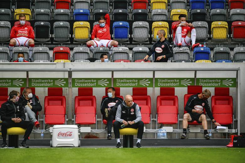Niemiecka piłka wróciła po przeszło dwóch miesiącach przerwy. W sobotę (16 maja) w Bundeslidze odbylo się pięć meczów o godzinie 15:30. Szósty zaplanowano