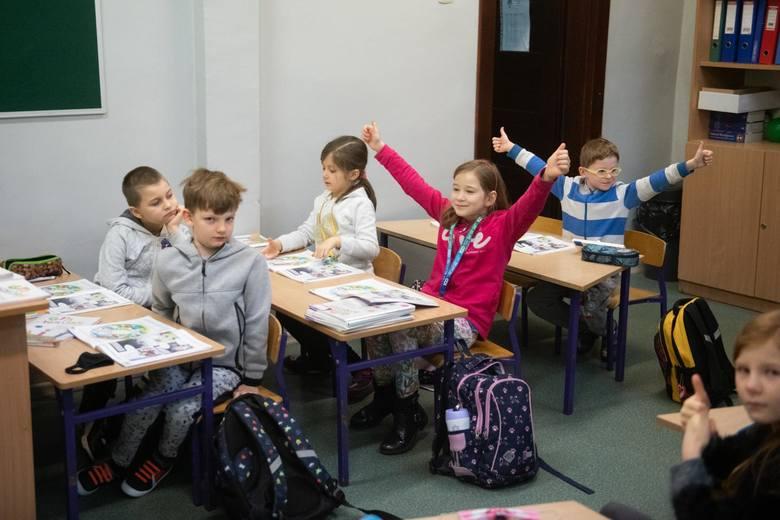 Jak będzie wyglądać dalej szkoła, mamy się dowiedzieć w środę, 21 kwietnia – zgodnie z zapowiedziami rządu, dotyczącymi ogłoszenia decyzji dotyczącej