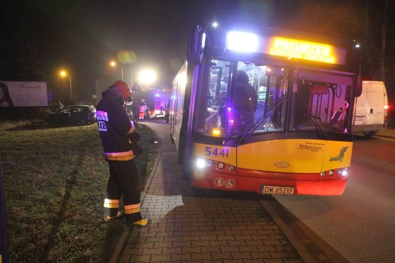 Wypadek na Kuźnikach, na ul. Koszalińskiej, 16.03.2016