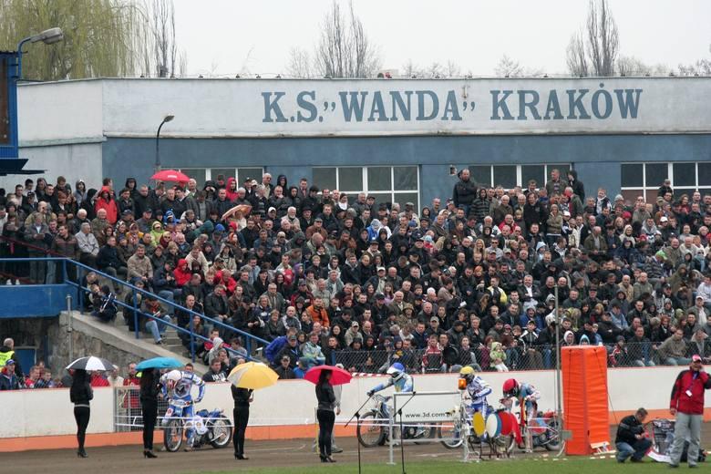 Żużel. Kibice na meczach Speedway Wandy Kraków w latach 2010-2018 [ZDJĘCIA]
