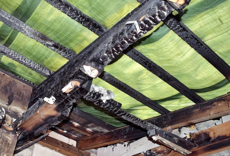 Pożar domu w Dobrzeniu Małym. Trwa zbiórka pieniędzy na remont.