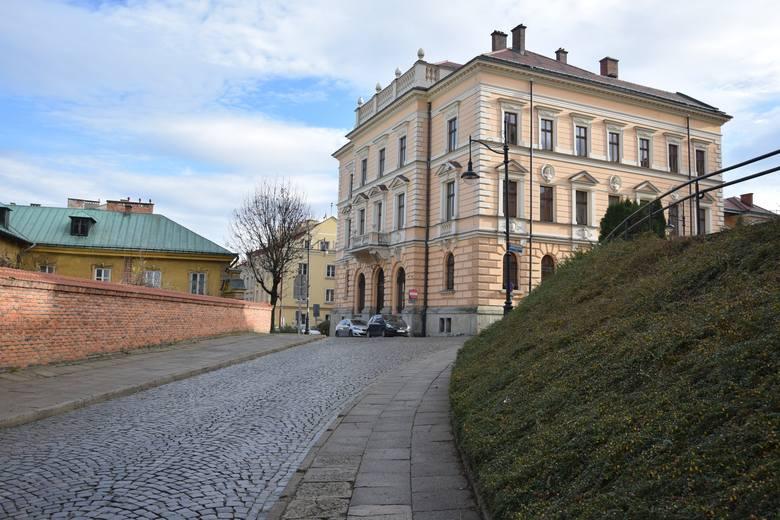 W listopadzie 2019 r. radni Przemysla podjęli uchwałę o zmianie nazwy ul. bpa Kocyłowskiego na bpa. Śnigurskiego.