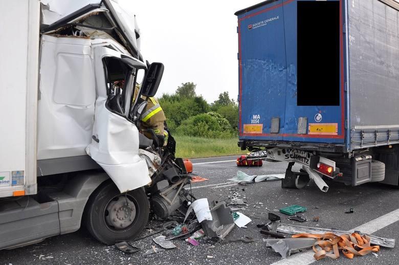 O groźnie wyglądającym wypadku służby dowiedziały się chwilę po godzinie 5 rano. Na obwodnice Szubina, droga krajowa nr 5, woj. kujawsko - pomorskie