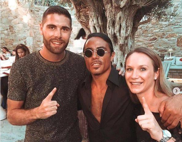 Podczas wakacji, spędzanych na greckiej wyspie Mykonos, piłkarz ręczny PGE VIVE Kielce, Blaż Janc, wraz ze swoją dziewczyną odwiedził restaurację Nusr-Et,