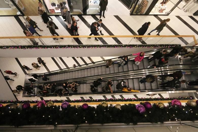 Każdy, kto planuje zakup prezentów mikołajkowych przez internet, powinien złożyć zamówienie najpóźniej w ostatnim tygodniu listopada.
