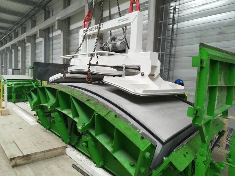 """Wykorzystywana w budowie łódzkich tuneli technologia TBM polega na jednoczesnym drążeniu tunelu oraz jego budowie. Tarcza """"mechanicznego kreta"""" obraca"""