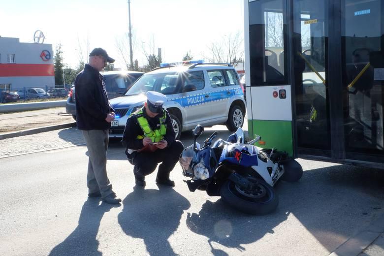 Wypadek motocyklisty przy ul. 42 Pułku Piechoty w Białymstoku