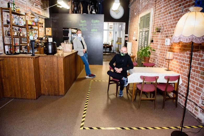 Tuż obok społeczna kawiarnia PERS, przygotowana do pracy w nowych warunkach