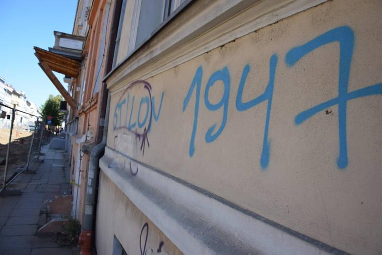 Jak graffiti Stilonu Gorzów wkurzyło radną. Na murach są też napisy Stali