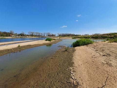Krajobraz nad Odrą zmienił się bardzo w ciągu ostatnich dni. Powodów tego stanu rzeczy jest kilka