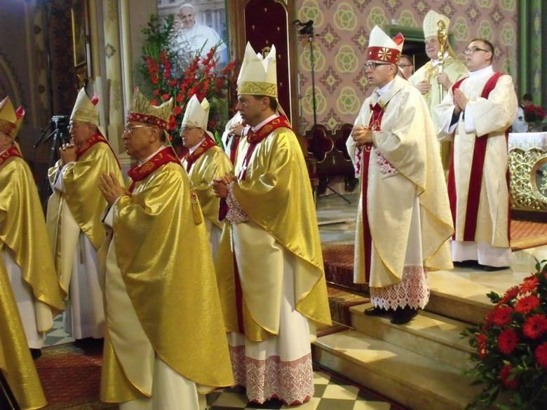 Bazylika w Myszyńcu od dzisiaj jest oficjalnie kościołem papieskim