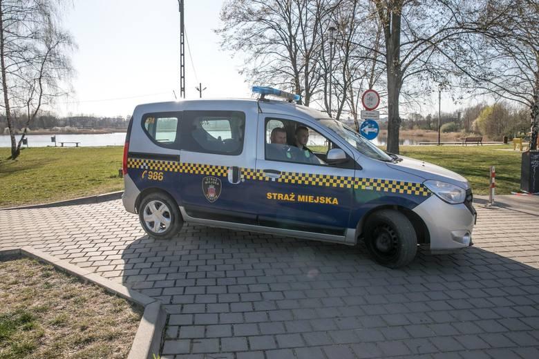 Powiatowy Inspektor Sanitarny w Łodzi wydał decyzje nakładające kary finansowe dla osób nieprzestrzegających zasad poddania się kwarantannie. Sankcjami