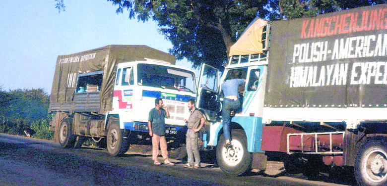 Ciężarówki ze sprzętem jechały przez dwa kontynenty. Podróż trwała trzy tygodnie