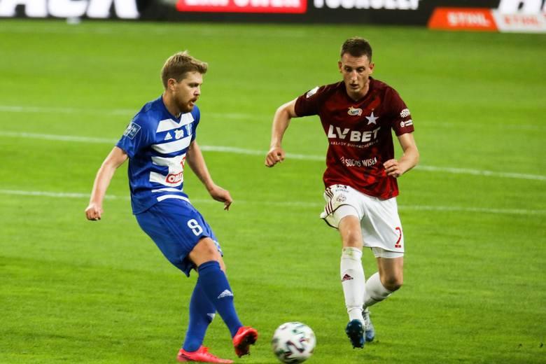 Maj w polskiej lidze stoi pod znakiem końca sezonu i transferowych ruchów wszystkich klubów. Niektóre drużyny przygotowują się do europejskich pucharów,