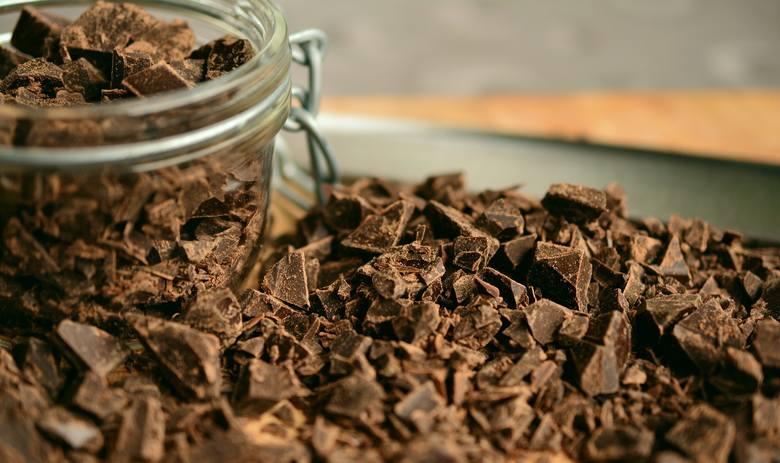 Czekolada - uwielbiana za jej walory smakowe, ma też właściwości, które pozytywnie wpływają na zdrowie człowieka.