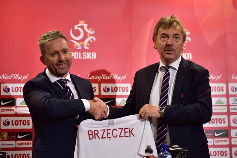 Zbigniew Boniek (z prawej, obok Jerzy Brzęczek). Obecny prezes PZPN poprowadził reprezentację Polski tylko w pięciu meczach
