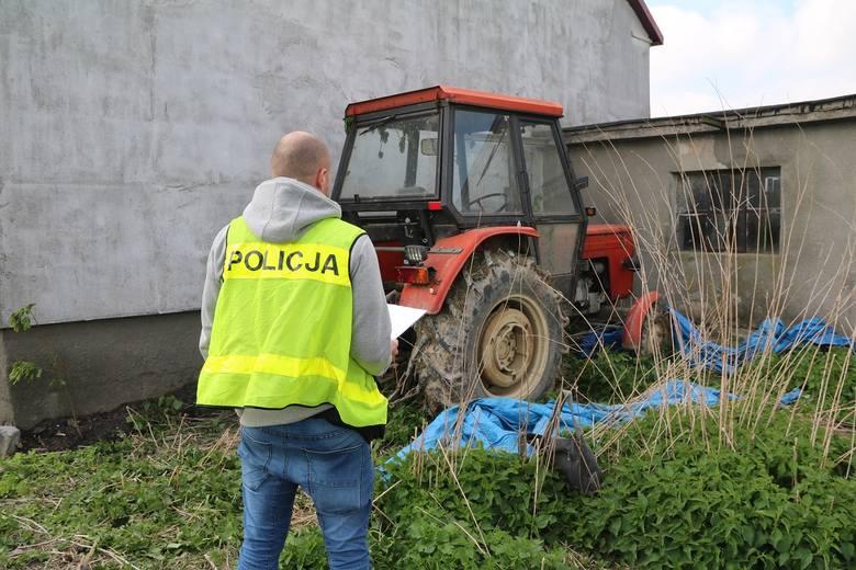 Ślady zawiodły policjantów do skradzionego z posesji ciągnika