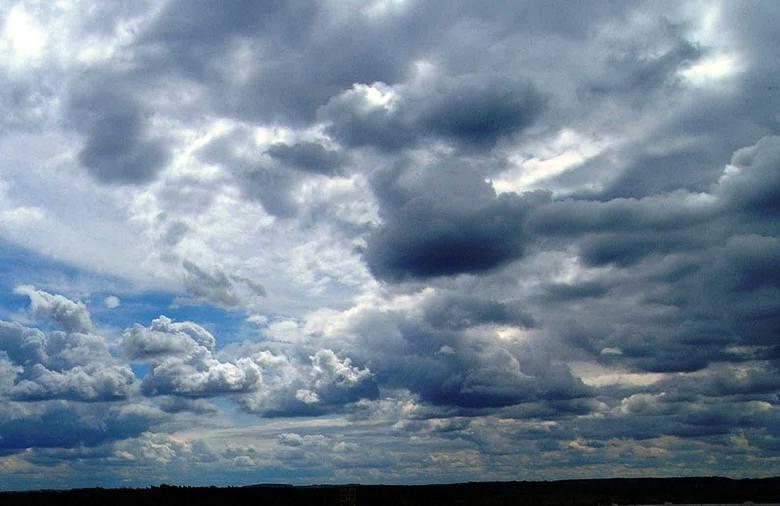 Początek tygodnia będzie chłodny w całym kraju. Czy wrócą upały? Zobacz prognozę pogody do końca lipca.POLECAMY: Seria niezwykłych zjawisk na lubuskim