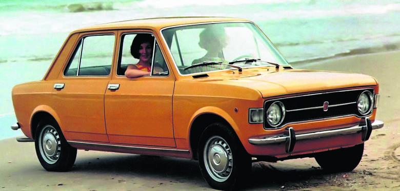 Samochód roku 1970 - Fiat 128. Dzięki poprzecznemu ułożeniu zespołu napędowego zmieniły się proporcje nadwozia: skróciła się maska silnika, wydłużyła kabina, przybyło przestrzeni w bagażniku