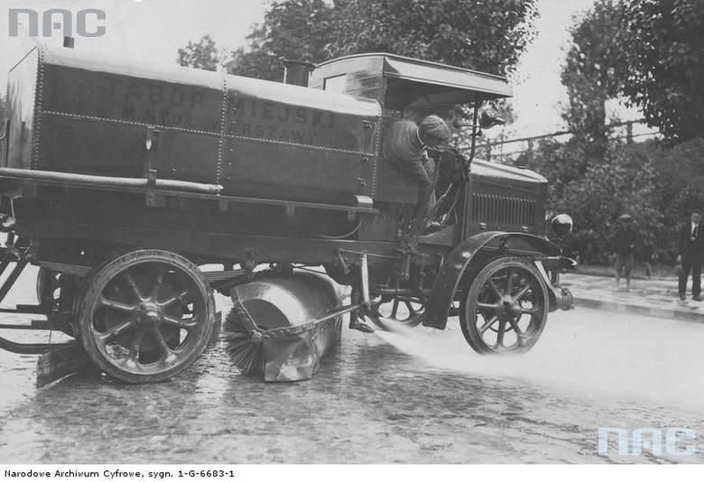 Samochód czyszczący, Warszawa, 1925 rok