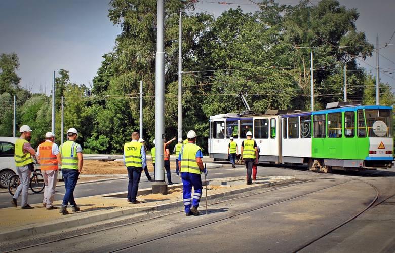 Przebudowa ul. Arkońskiej w Szczecinie: Udany przejazd techniczny, wracają tramwaje! [ZDJĘCIA]