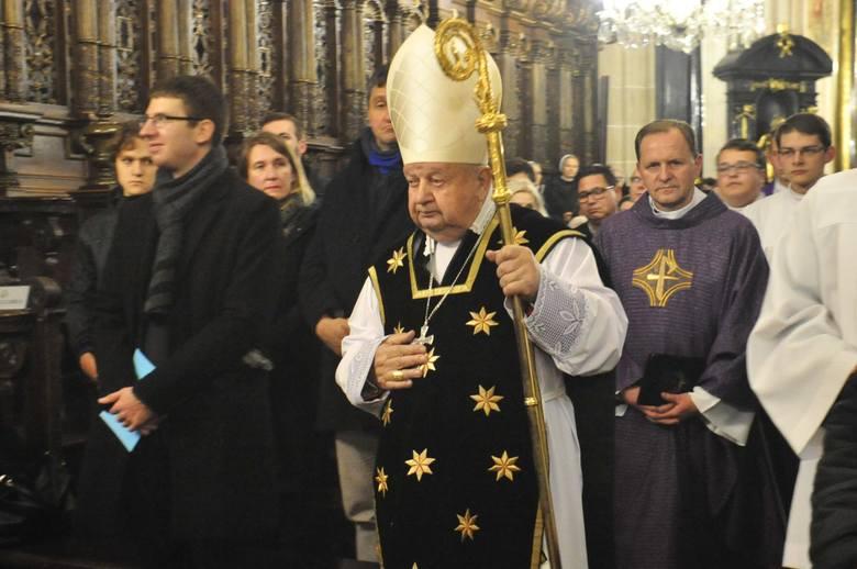 """Kardynał Stanisław Dziwisz jest bohaterem wstrząsającego reportażu TVN24 """"Don Stanislao"""""""