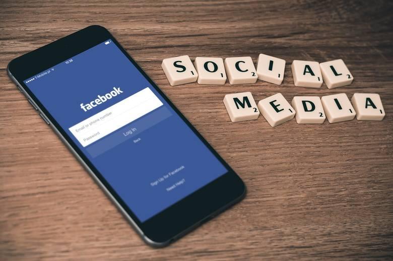 Za handel narkotykami czy lekami na receptę również zostaniemy zablokowani na portalu społecznościowym.