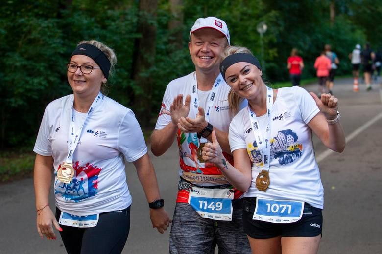 Niedziela to trzeci dzień 5. PKO Bydgoskiego Festiwalu Biegowego w Myślęcinku, w którym uczestniczy łącznie 500 biegaczy. Przez cały weekend startują